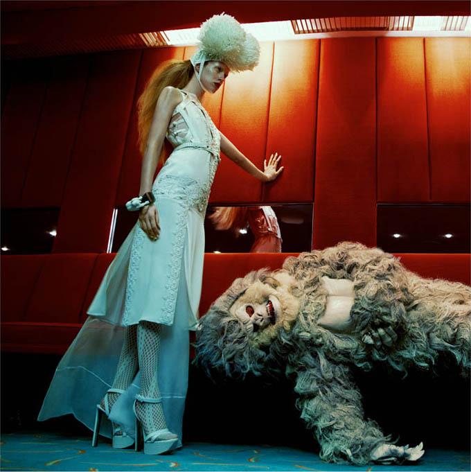 Джулия Фрош и чудовище в Numéro ( фото )