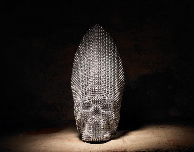 Люди гибнут за кристалл. Смертельные инсталляции из кристаллов Swarovski