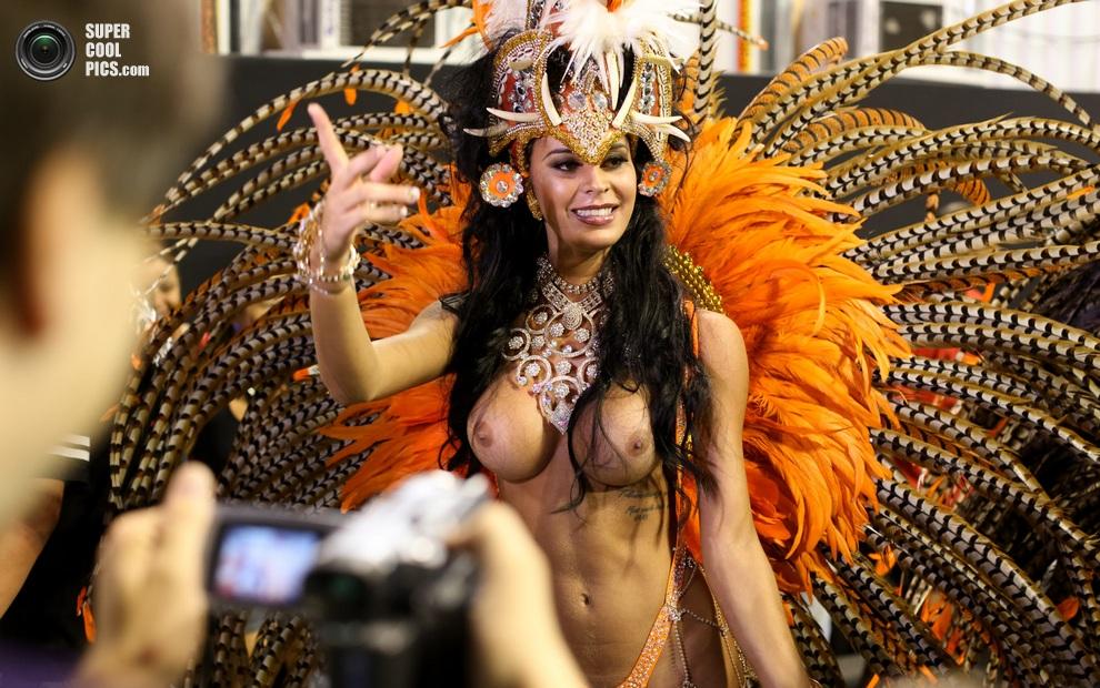 фото девушек с карнавала в бразилии