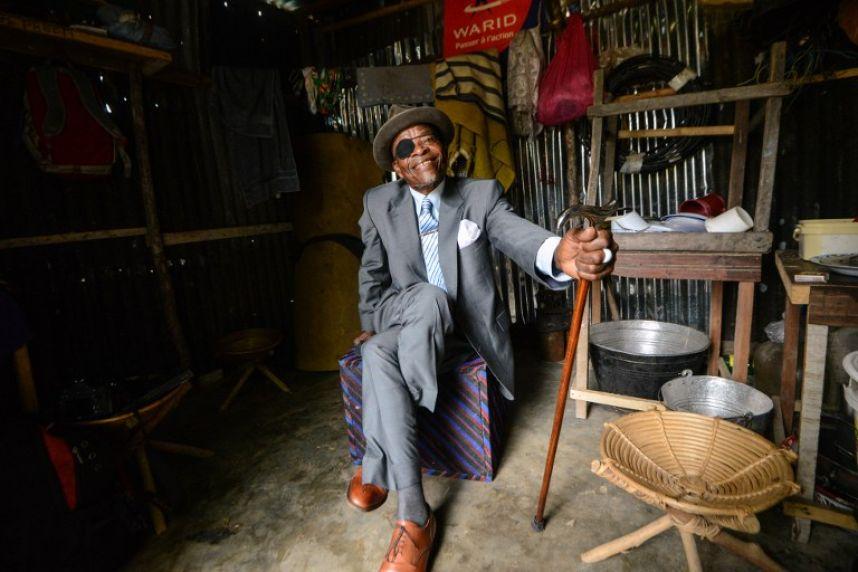 В Конго на фоне разрухи популярность набирает движение стиляг (20 фото)